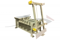 GML 9100 - Pivoting door assembly table